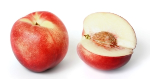 White_nectarine_and_cross_section02_edit